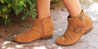 Minnetonka迷你唐卡Rancho Boot女士真皮流苏短靴 深棕色