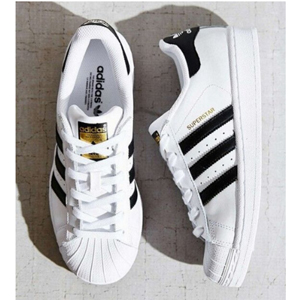 Adidas 阿迪达斯 三叶草 Superstar 经典黑白金标 女款运动板鞋