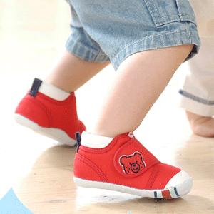 MikiHouse宝宝学步鞋
