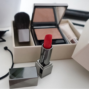 Burberry限量Beauty Box 4件套