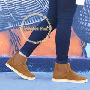 UGG Hollyn Deco Quilt女款小短靴棕色