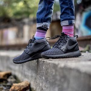 成人可穿!Nike耐克Kids Roshe One Mid Winter GS大童款休闲运动鞋