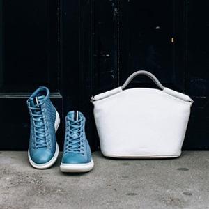 ECCO爱步Soft 3女士真皮拼接高帮板鞋 蓝色