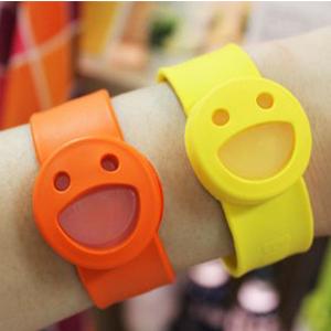 BUGLOCK儿童笑脸驱蚊手环+6个替换片 两色可选