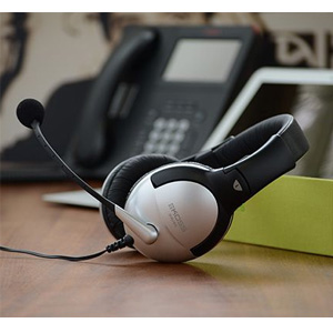 KOSS高斯 SB45 封闭式头戴多媒体耳机