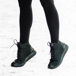 ECCO爱步Soft 3女士真皮拼接高帮板鞋 黑色