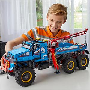 Lego乐高 科技系列42070 6X6全时驱动牵引卡车