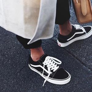 补码!Vans经典款中性黑色高帮帆布鞋