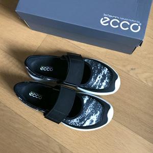 ECCO爱步 BIOM Amrap 女士休闲鞋