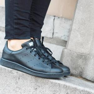 Adidas Stan Smith 大童休闲鞋黑色款