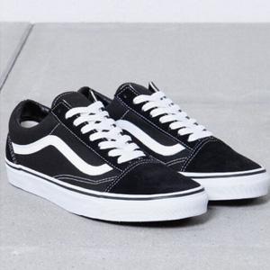 Vans经典款男士黑色高帮帆布鞋