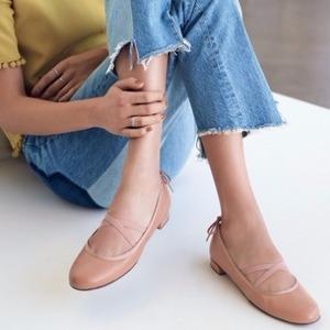 Stuart Weitzman女士Bolshoi Napa软羊皮芭蕾平底鞋 粉色
