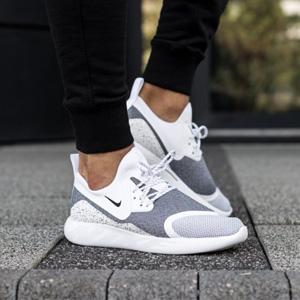 NIKE耐克 LUNARCHARGE ESSENTIAL女士运动鞋 两色可选