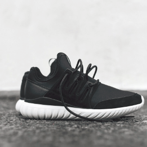 Adidas阿迪达斯Tubular Radial 中性跑鞋