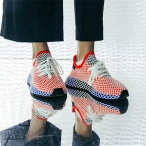 Adidas 精选鞋履 服饰等额外7折,部分商品折上折