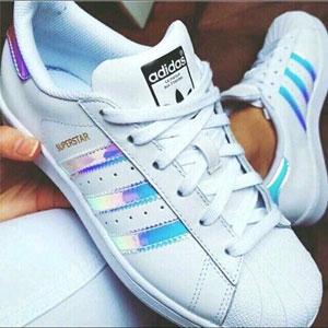 Adidas Superstar 大童镭射贝壳头休闲鞋