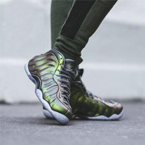 Nike Air Foamposite One 全新炫光绿女款篮球鞋