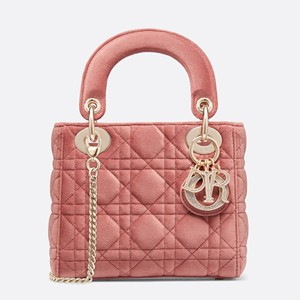 Dior 经典手袋优雅焕新