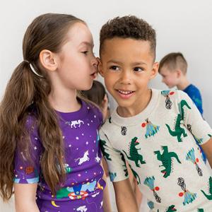 Hanna Andersson官网现有精选儿童T恤一律$7.99促销