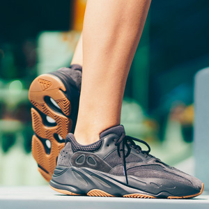 Yeezy Boost700 Utility Black纯黑配色