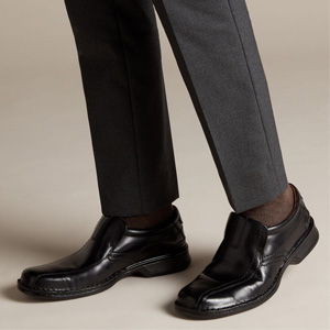 CLARKS 男式真皮船鞋