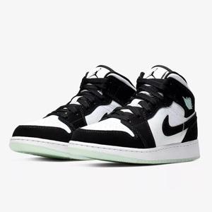 Air Jordan 1 Mid夜光熊猫 中童款