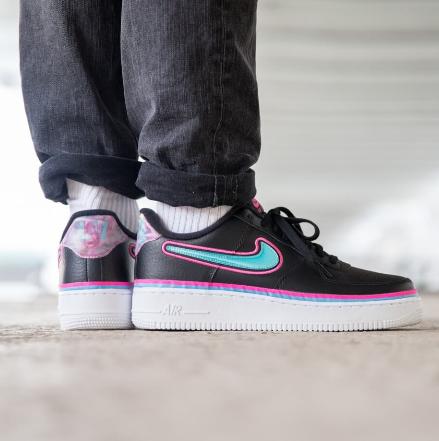 Nike耐克Air Force 1 LV8 大童款板鞋