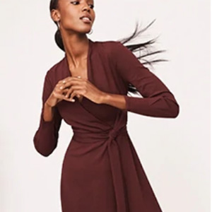 Ann Taylor Factory网站有正价服饰额外8.5折+清仓区额外7折促销