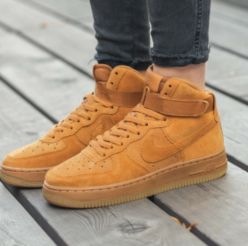 Nike Air Force 1 高帮经典男大童款板鞋