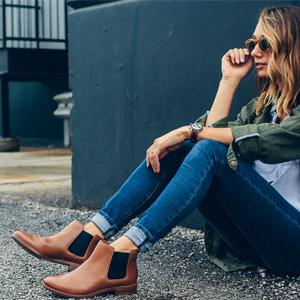 Clarks美国站精选鞋款满$150额外7折促销