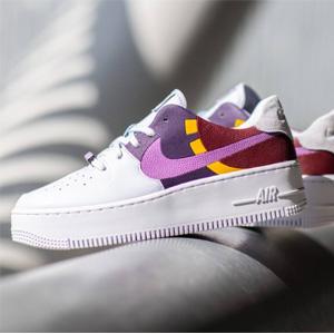 Nike AF1 Sage Low LX 女士运动鞋