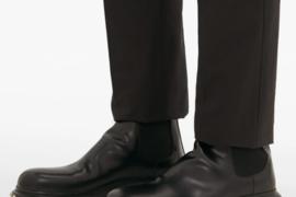 MATCHESFASHION  推出 Alexander McQueen 铆钉切尔西靴