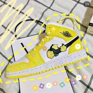 补码!AJ1 Mid花卉刺绣黄玫瑰大童款篮球鞋