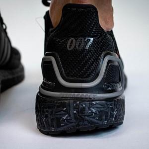 《无暇赴死》!007 x adidas 上脚图首次曝光!