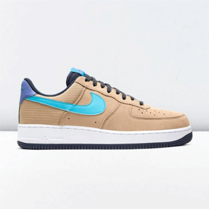 Nike Air Force 1 '07 LV8 运动鞋