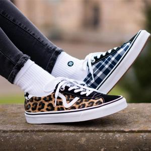 Vans X Sandy Liang 限量联名款豹纹拼色板鞋