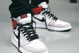 "俗称小Union!Air Jordan 1 ""Light Smoke Grey""爆出上脚照!"