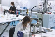 Dior法国的童装厂复工赶制医用防护口罩
