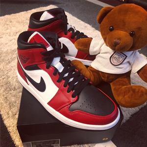 AIR JORDAN 1 MID AJ1芝加哥 大童款篮球鞋