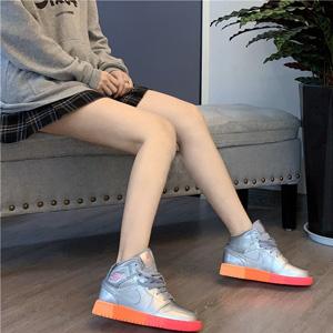 乔丹 Air Jordan 1 Mid 银色霓虹渐变彩虹大童款篮球鞋