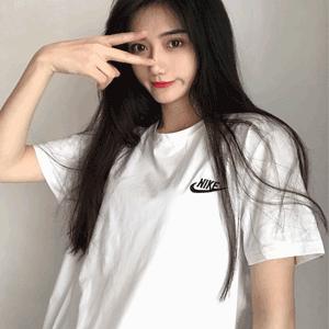 换码!Nike Embroidered Futura 小标男士T恤