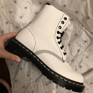 Dr. Martens 1460 8孔白色软皮马丁靴