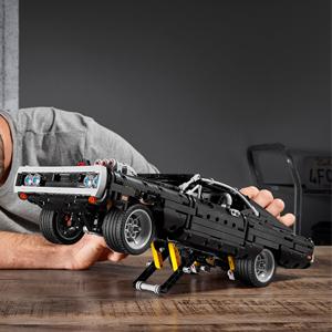 新品!LEGO乐高 机械组系列《速度与激情》道奇战马(42111)