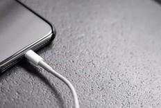 Apple iPhone 12 上线全新充电线!