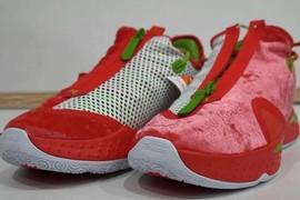 丑出新高度?Nike PG 4 圣诞节配色来了!