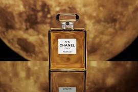 香水|CHANEL N°5 香水推出圣诞限定喜迎100周年