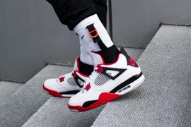 "完美复刻!Air Jordan 4 ""Fire Red""月底上市!"