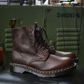 Dr. Martens 1460 Leather女款8孔靴