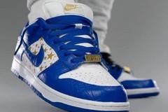 再添一色!Supreme x Nike SB Dunk Low 释出蓝色款上脚照!
