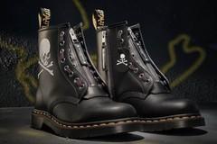 联名 Dr·Martens X Mastermind World推出新款马丁靴